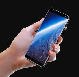 Bezel-less Display in Leagoo S8 Pro