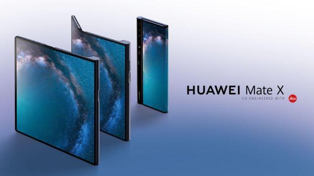 Huawei Mate X : The 1st foldable smartphone from Huawei.