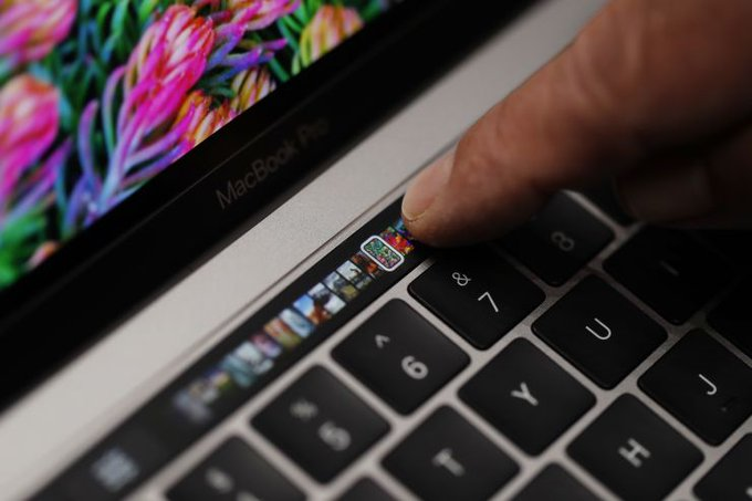 Apple introduces the first 8-core MacBook Pro up to Core i9
