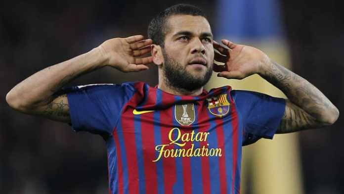 Dani Alves speaks up about Messi's words and what's wrong with Barcelona