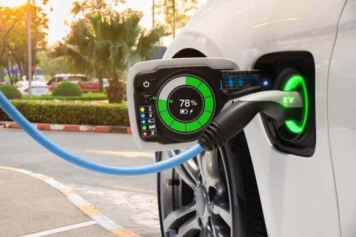 Israeli start-up innovates ultra-charge battery for EV