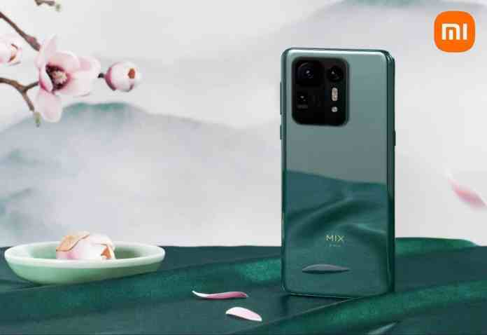 Xiaomi Mi Mix 4 poster shows no rear screen and an odd glass protector