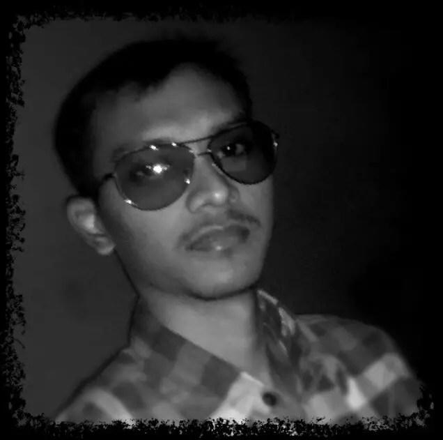 Satish-black-white