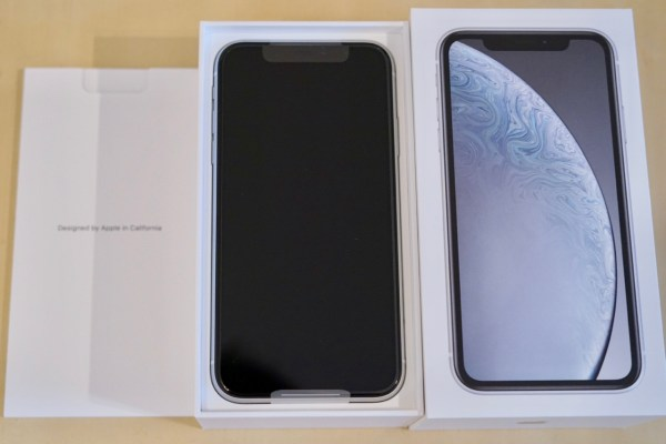 iPhone XRが到着