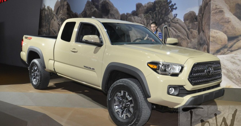 2015 NAIAS Detroit: Toyota Tacoma pickup [Image Gallery]