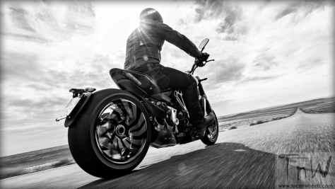 2016 Ducati XDiavel S (12)