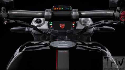 2016 Ducati XDiavel S (18)