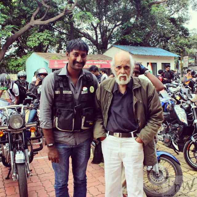 Veteran cartoonist Mangesh Tendulkar and me during the Independence day awareness rally with Street Sense and Pune RTO.