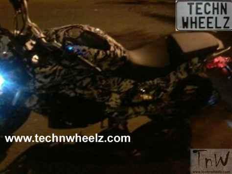 Bajaj Pulsar CS400 spy pic technwheelz (4)