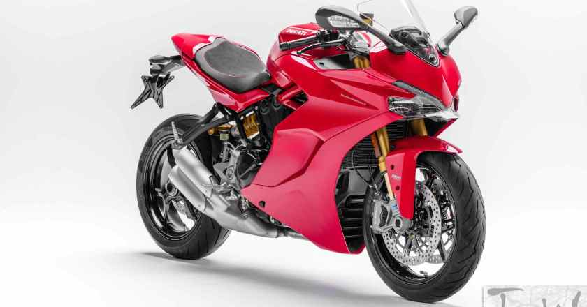 INTERMOT 2016: Ducati unveils SuperSport and SuperSport S