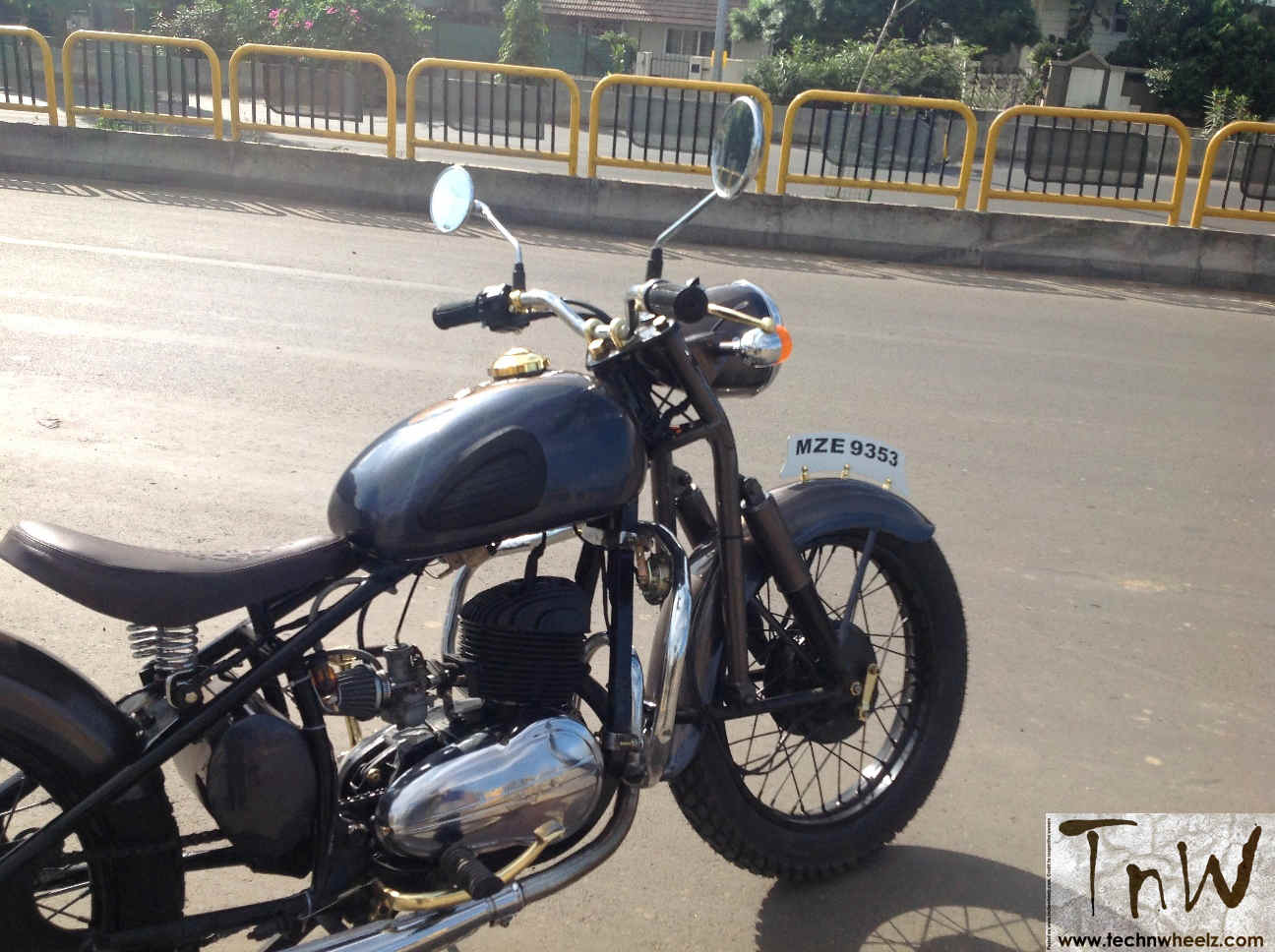 RAJDOOT-175 REMASTERED by Ayas Custom Motorcycles – TECH 'N