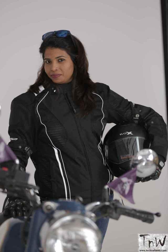 priya-meghwal-bikerni-2