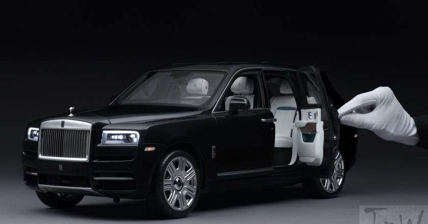 Rolls-Royce Cullinan 1:8 scale model – takes 450 hours to build & costs $17,000