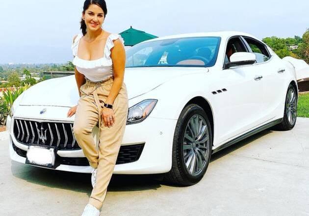 Sunny Leone shows off her new Maserati Ghibli