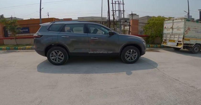 2021 Tata Safari XT+ Daytona Grey