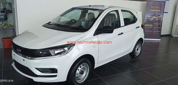 Tata Tiago XE Pearlscent White