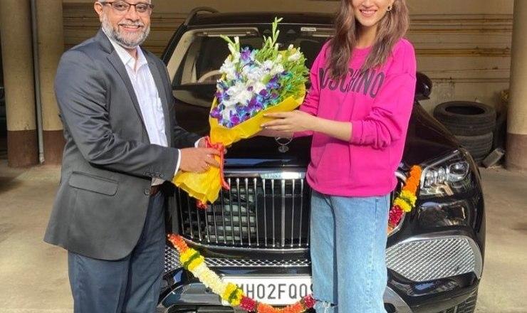 Bollywood actress Kriti Sanon brings home the Mercedes-Maybach GLS600