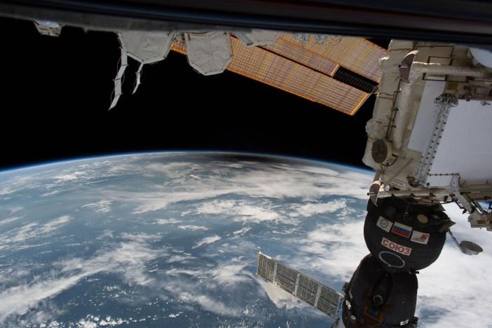 Iš Tarptautinės Kosminės stoties matomas Mėnulio šešėlis. NASA nuotr.