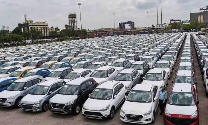 Amid sluggish sales, US carmakers fight over name to gain supremacy