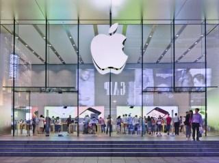 An Apple store in Shanghai. (Image via Shutterstock)