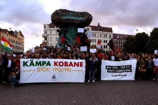 Socialist activists demonstrate support for Rojava / photo via Allt åt Alla Malmö