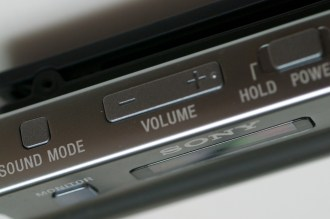sony_mdr_nc300d_closeup_sound_mode_volume_power