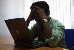 frustrated_computer_laptop_user_frustration