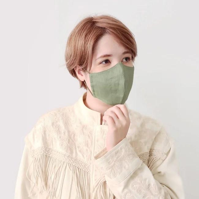 さらりとした風合いのリネン素材マスク