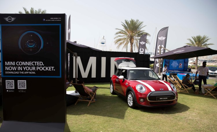 MINI - MINI showcases advanced technology at STEP Conference 2015 with MINI Connected  (8)