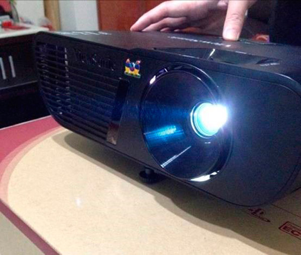 ViewSonic PJD5255 Unboxing (6)