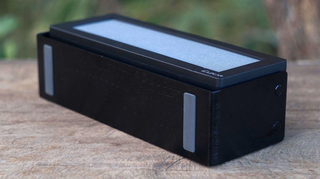 LUXA2 GroovyA Wireless Speaker (5)