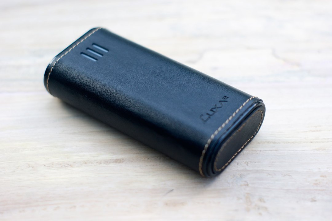 LUXA2 PL2 Leather Power Bank (4)