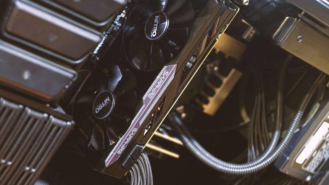 Sapphire Nitro R9 380 Review (11)