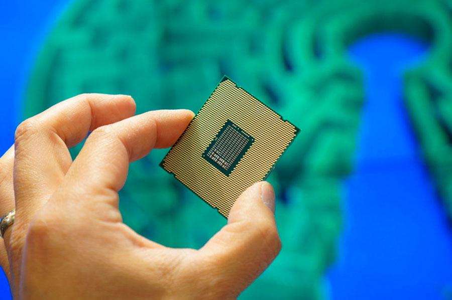 Intel Xeon E5 2600 22 Core News (2)