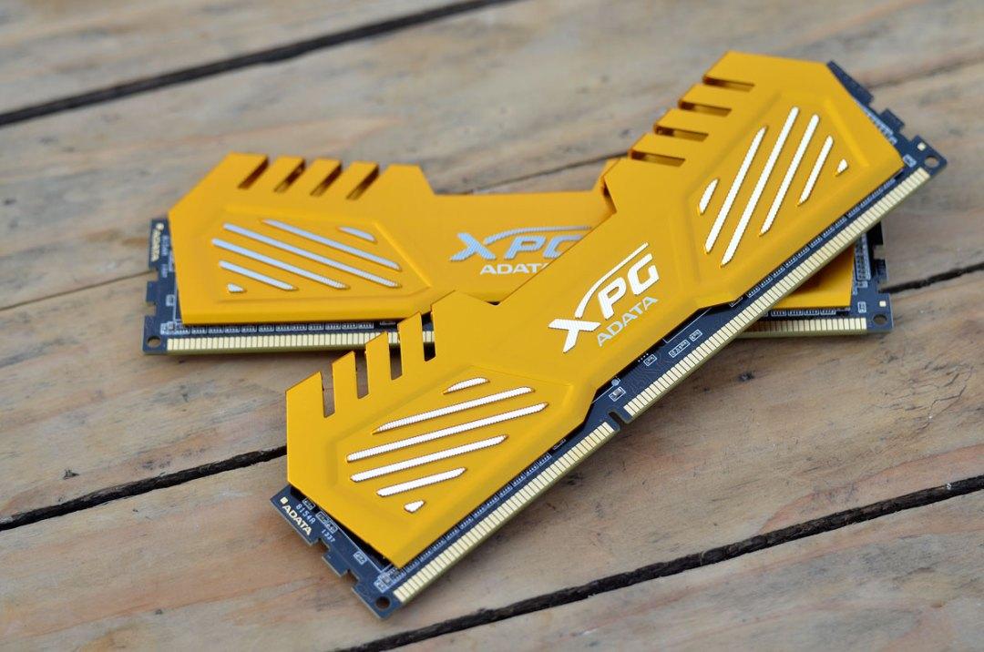 ADATA XPG V2 2400 DDR3 (4)