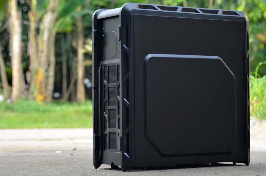 COUGAR Evolution Full Tower Review (43)