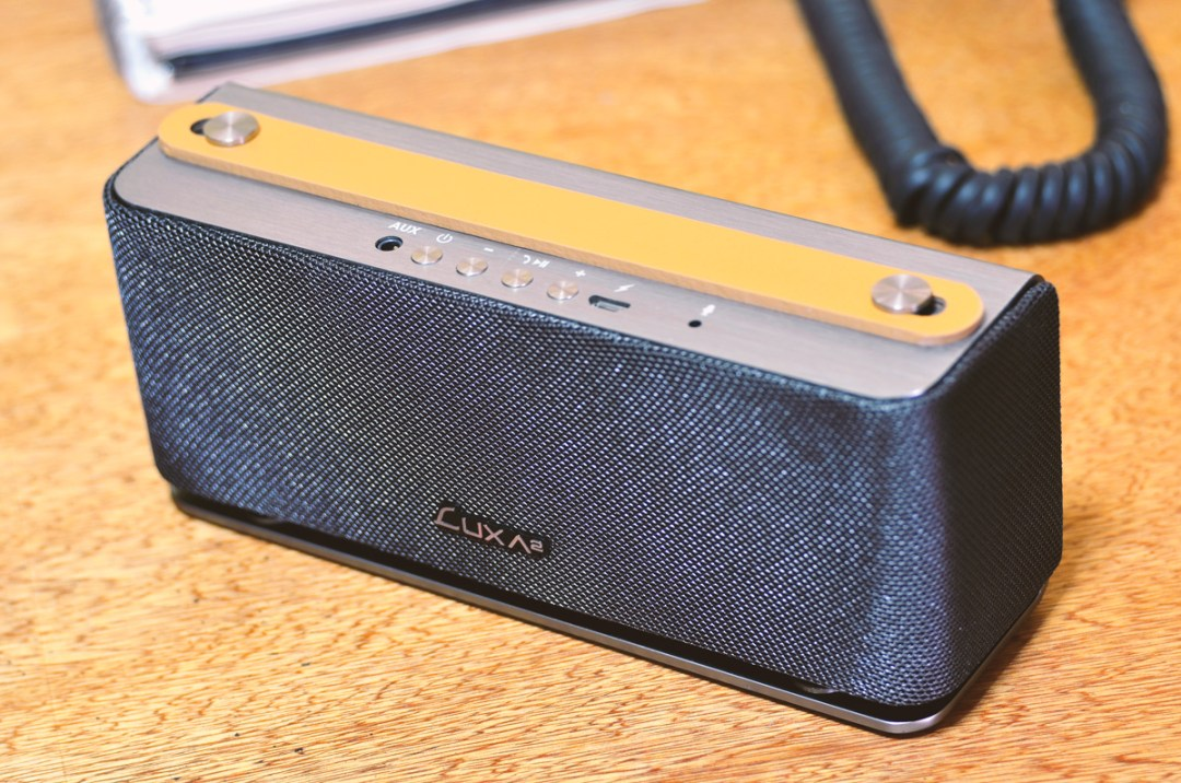 LUXA2 Groovy Wireless Stereo Speaker (5)