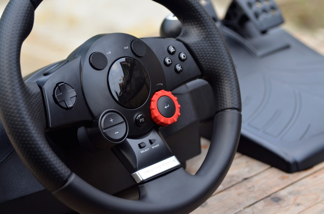 Logitech Gaming Driving Force GT (15)