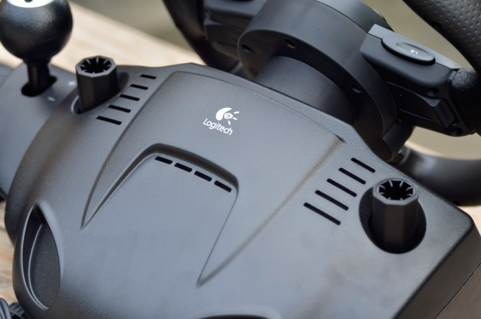 Logitech Gaming Driving Force GT (17)