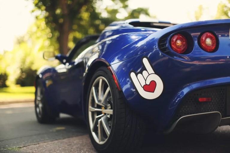 Best ways of using custom racing stickers