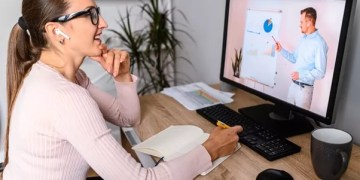 What tech do you need to be an effective online mentor?