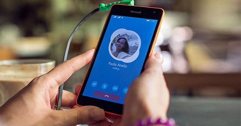 lumia-535-skype-girl-wide