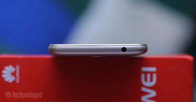 Huawei Y5 2017 Review - Profile Top/3.5mm Audio Jack