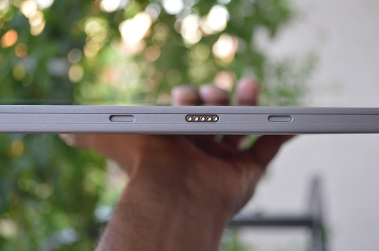 Smartron-tBook-magnetic-pin