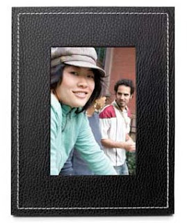 T-Mobile Cameo Digital Picture Frame (& Last Chance for Sidekick Giveaway!)