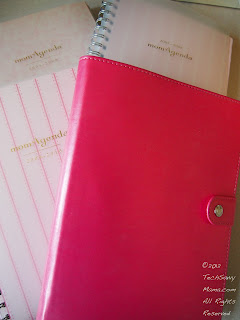 MomAgenda Spiral Refill and Folio Cover: My Paper Calendar Pick (w. giveaway)