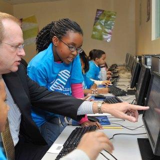 Comcast Club Tech Aims to Reduce Digital Divide