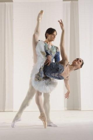 11550-648 Nutcracker. Tamas Krizsa & Aurora Dickie as the Snow King and Queen by Steve Vaccariello