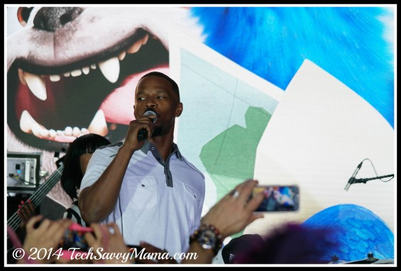 Jamie Foxx takes the stage at Rio 2 World Premiere, Miami