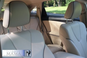 Toyota Venza: Contrasting Trim on Leather Seats